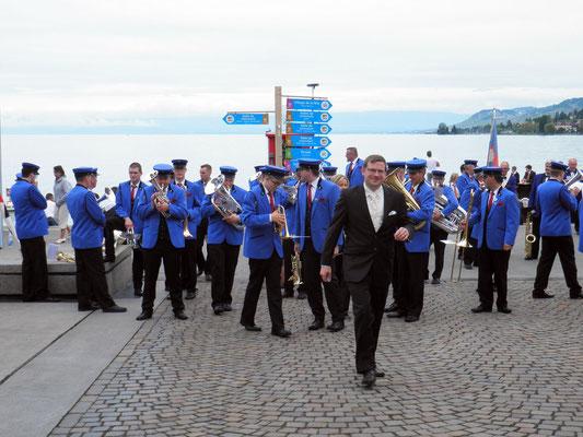Dirigent Marcel Roth bittet zur Marschmusik