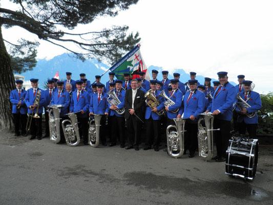 Gruppenfoto am See