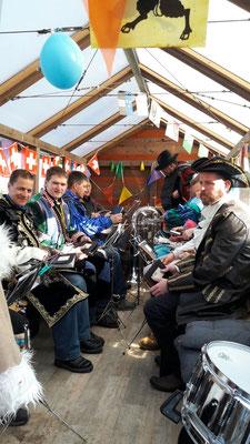 Die Musikanten sind bereit Fasnachts-Stimmung in der Gde. Römerswil zu verbreiten