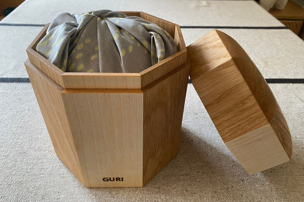 S様邸 GURIちゃん(スコティッシュフォールド)4号印籠タイプ ナラ&メープル