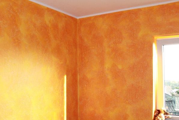 hier wurde die Farbtechnik La Casa dei Sogni mit orangen Farbpigmenten aufgetragen