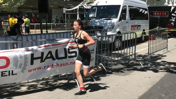 2.6.2019 - Flavia auf der Laufstrecke des swim & run in Lustenau