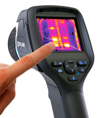 FLIR FLIR E60bx - Termocamera IR ad alta risoluzione 320x240 (76800 pixels)