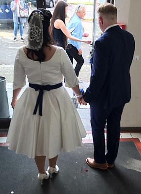Schöne Rückenansicht der Braut