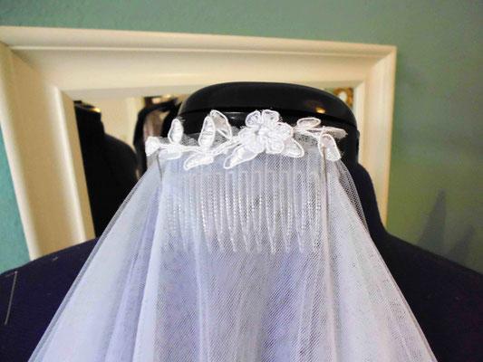 Brautschleier Spitze am Kamm