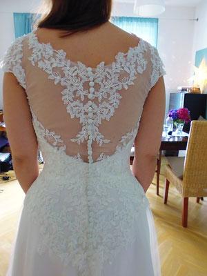 Brautkleid Spitze Rücken
