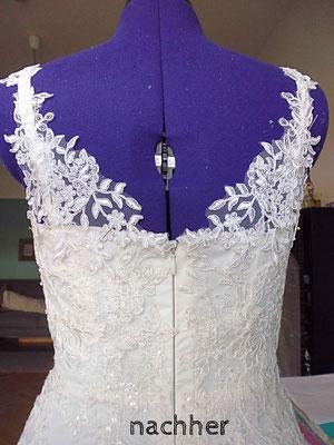 Brautkleid mit tiefem Rücken aus Spitze