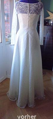 schlichtes Brautkleid aus gewirkter Spitze