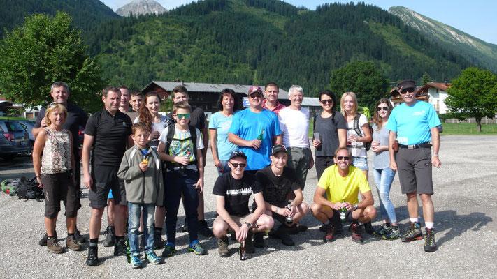 Die Mannschaft vor dem Start in Tannheim