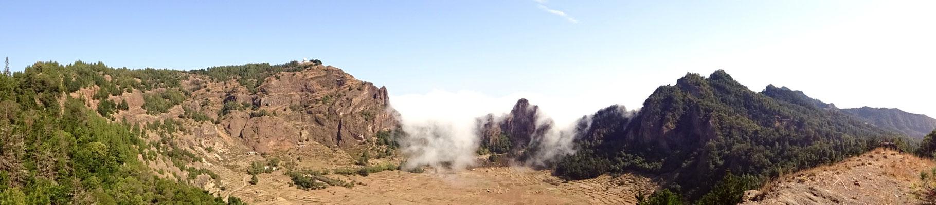 Panorama van de krater