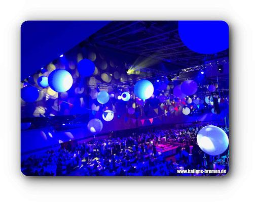 Bunte Ballons in der ÖVB-Arena Bremen