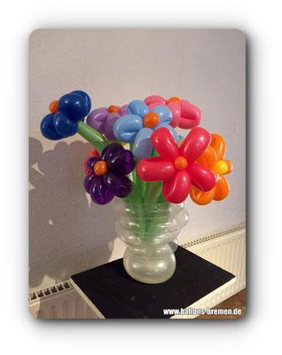 Blumenvase aus Luftballons