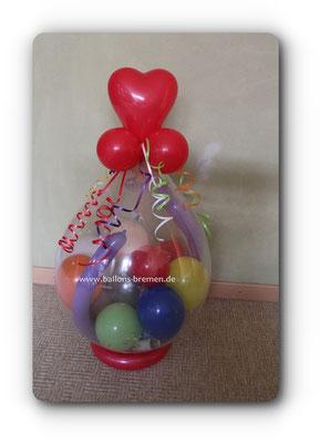 Viele bunte Ballons als Verpackung