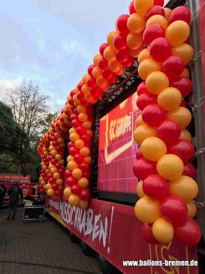 Freimarktsumzug 2018 - Foto von der Seite mit Luftballons
