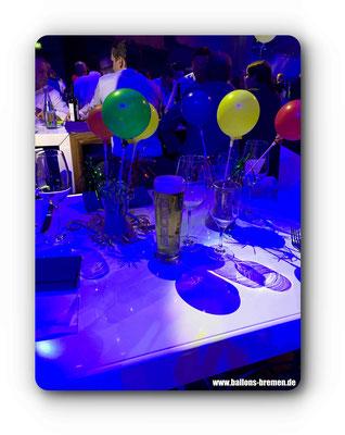 Tischdekoration bei der großen Geburtstagsfeier