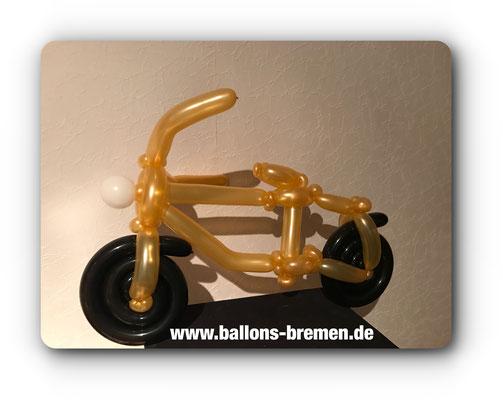 Motorrad aus Luftballon