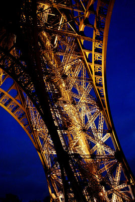 """"""" Eiffel """"   cliché réalisé  par  Fabienne"""