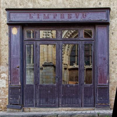 """"""" Imprévu ... Réouverture des magasins """"  cliché  réalisé  par  Joël"""