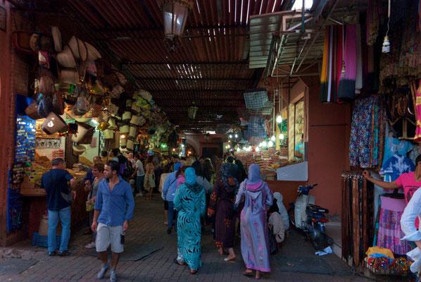 """""""  Marrakech, souk  """"  cliché  réalisé  par  Christian"""