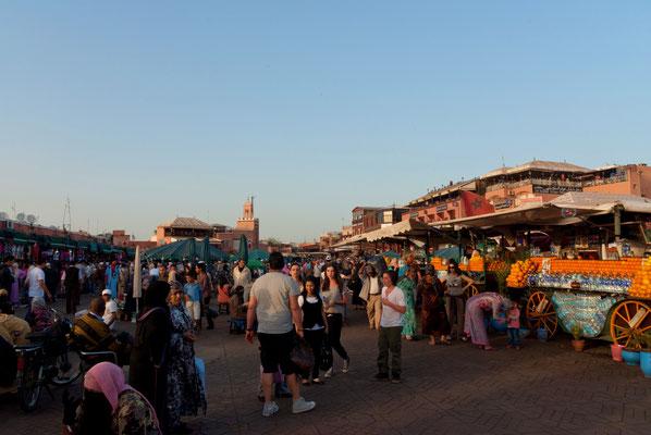 """""""  Marrakech, place Jemma El-Fna  """"  cliché  réalisé  par  Christian"""