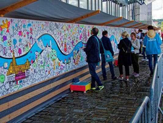 """""""Sur les quais à Rouen  (Street Art collectif)""""     cliché réalisé par  Joël"""