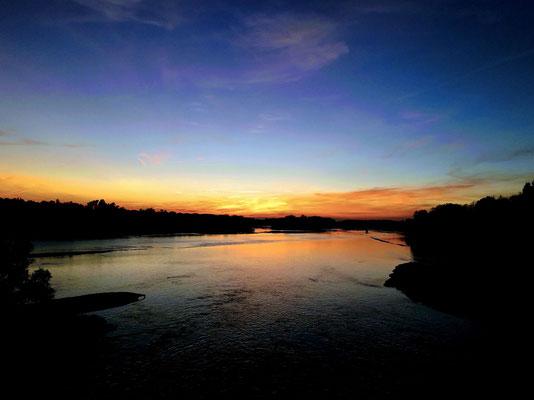 """""""Crépuscule sur la Loire à Port-Boulet""""  cliché réalisé par  Laurent"""