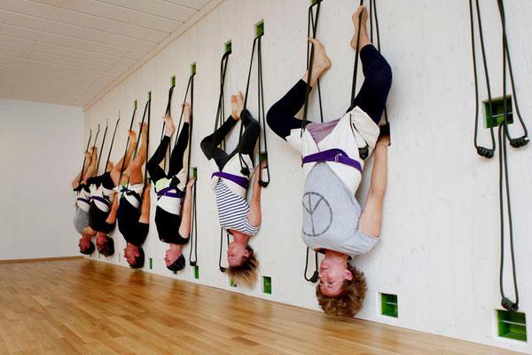 Hatha Yoga, Sirsasana in den Tauen, Kopfstand