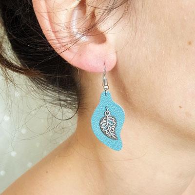 Atelier passions indigo : Boucles d'oreilles cuir pendante FEUILLES
