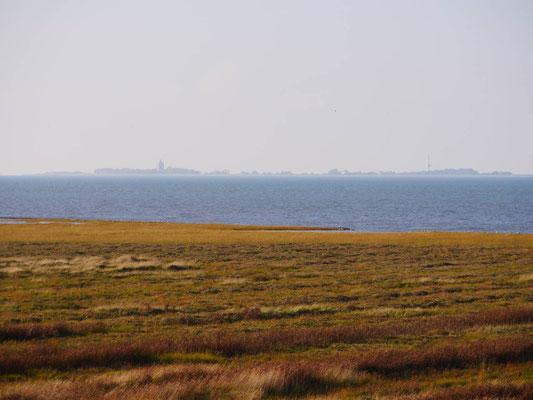 Der Blick auf die Insel Neuwerk aus der Ferienwohnung Robbenplate