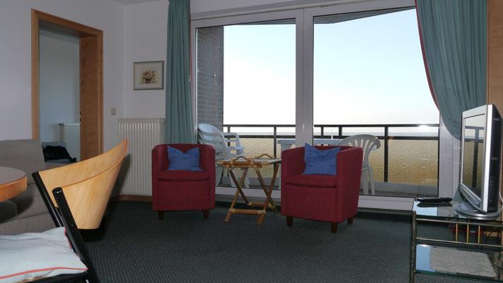 Die modernen Sessel die man auch gerne Richtung Meerblick drehen kann