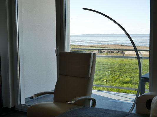Der Meerblick auf die Insel Neuwerk, das Wattenmeer und den Strand ist traumhaft
