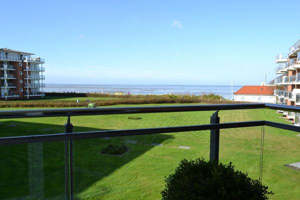 Der Meerblick vom Balkon der Ferienwohnung Nr. 208 im Strandpalais Duhnen