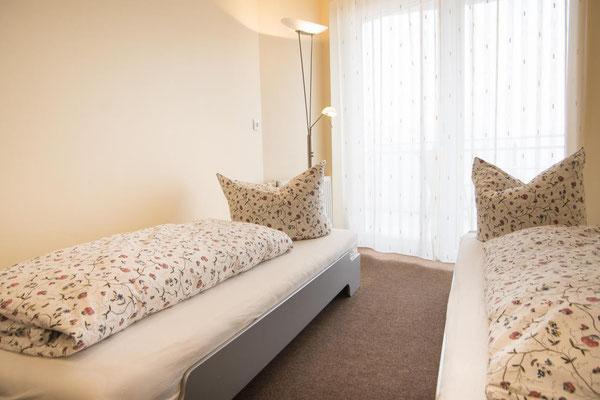 Strandpalais Duhnen Ferienwohnung Nr 20 - Das Schlafzimmer mit zei Einzelbetten