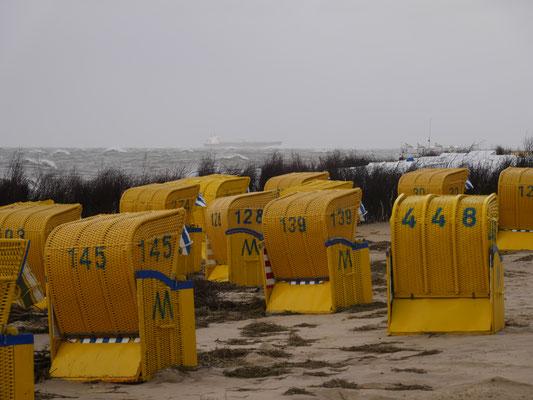 Die Strandkörbe sind stehengeblieben