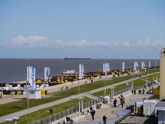 Der Strand von Cuxhaven Duhnen ist zum greifen Nah.