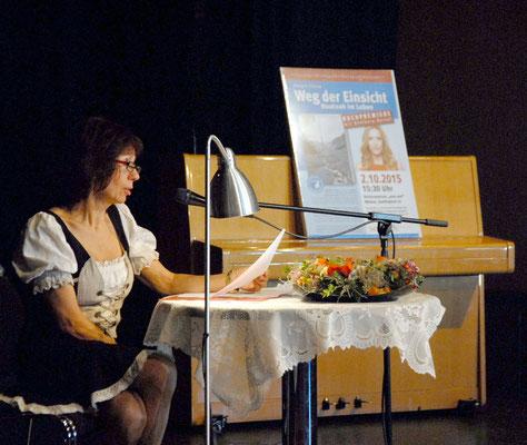 Weg der Einsicht - Buchtaufe - 2.10.15 - Margit Ellena liest