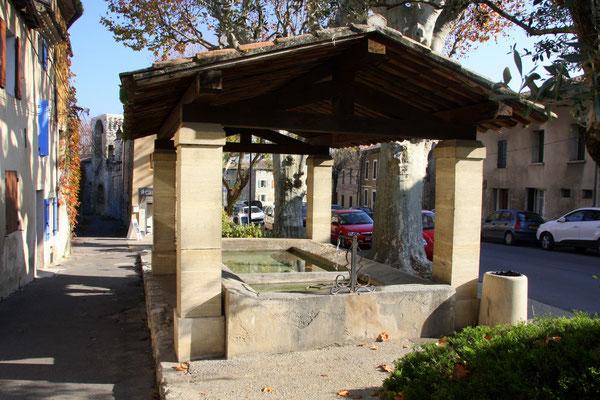 Bild: Fontaine Lavoir Saint Gilles, Pernes les Fontaines