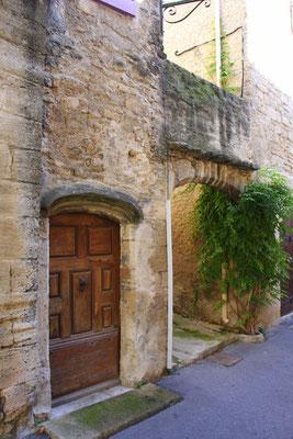 Bild: Portal in Cucuron, Vaucluse, Provence