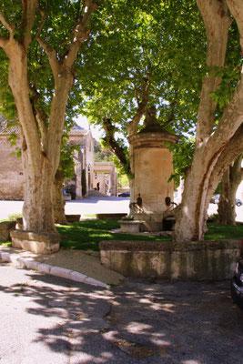 Bild: Fontaine ou Pompe in Robion