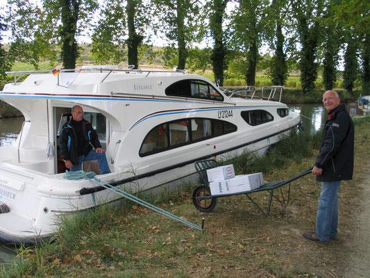 Bild: Mit dem Hausboot auf dem Canal du Midi Les Domaines des Marins