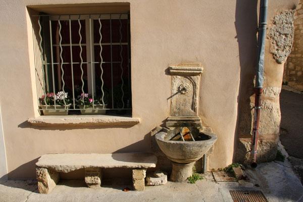 Bild: Fontaine de la Rue de la Rèpublique, Pernes les Fontaines
