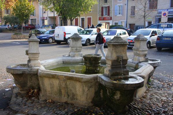 Bild: Fontaine du Portail neuf, Pernes les Fontaines