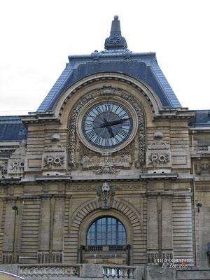 Bild:  Bootsrundfahrt auf der Seine am Musée d´Orsay