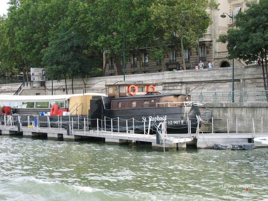 Bild:  Bootsrundfahrt auf der Seine