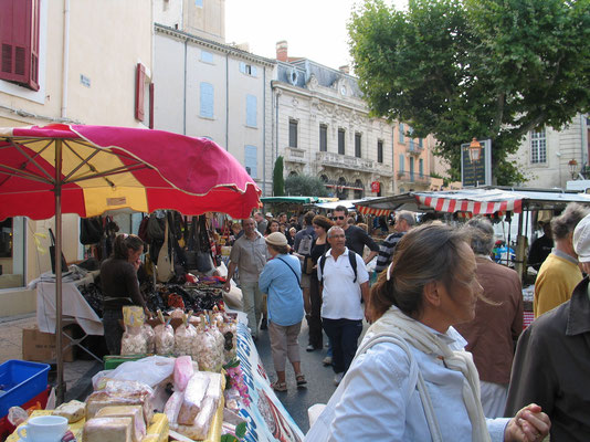 Bild: Markttag am Samstag Vormittag, Apt