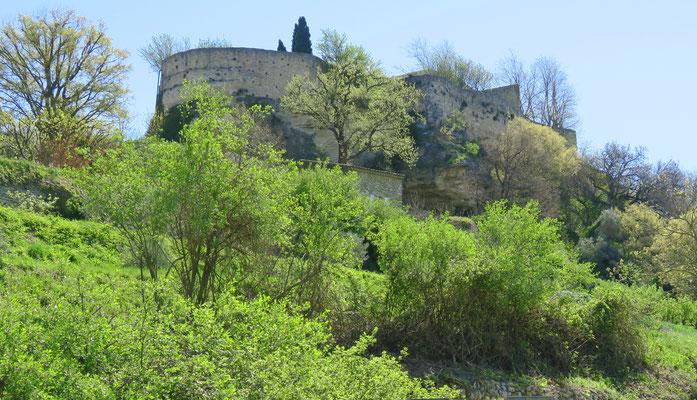 Bild: Blick auf die Stadtmauer von Ménerbes, Luberon