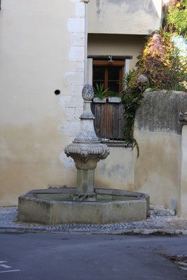 Bild: Fontaine du petit Jardin, Pernes les Fontaines