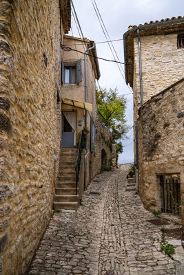 Bild: Vachères im Département Alpes de Haute Provence