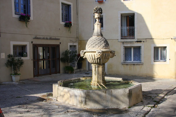 Bild: Fontaine Reboul, Pernes les Fontaines