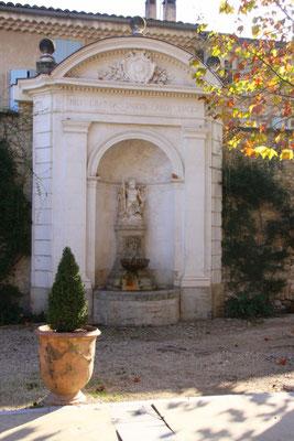Bild: Fontaine du jardin de la marie, Pernes les Fontaines